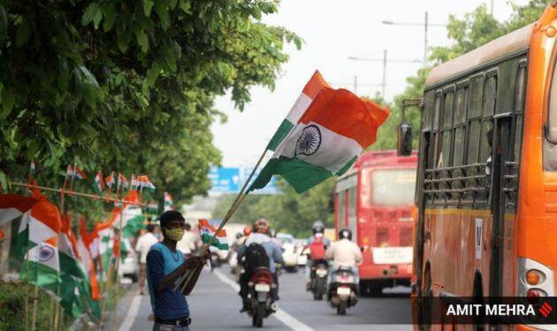 Independence Day, Independence Day 2021, Indian Independence Day, flags, making of the Indian flag, making of the tricolour flag, photos, indian express news