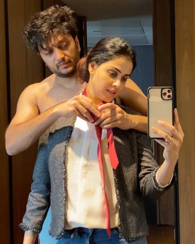 Riteish and Genelia PDS