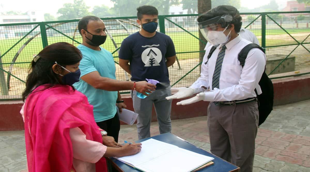 Schools reopen Telangana, Telangana reopens education institutes