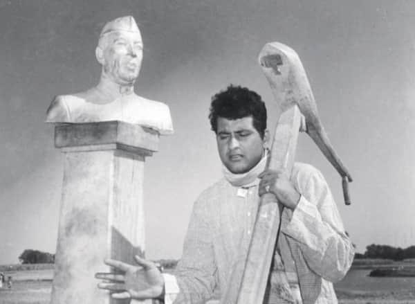 A still from Manoj Kumar's Upkaar
