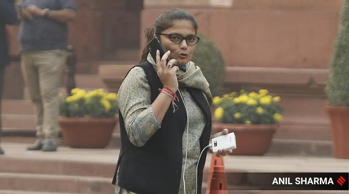 Sushmita Dev, Sushmita Dev resigns, Sushmita Dev Congress, Sushmita Dev resigns congress