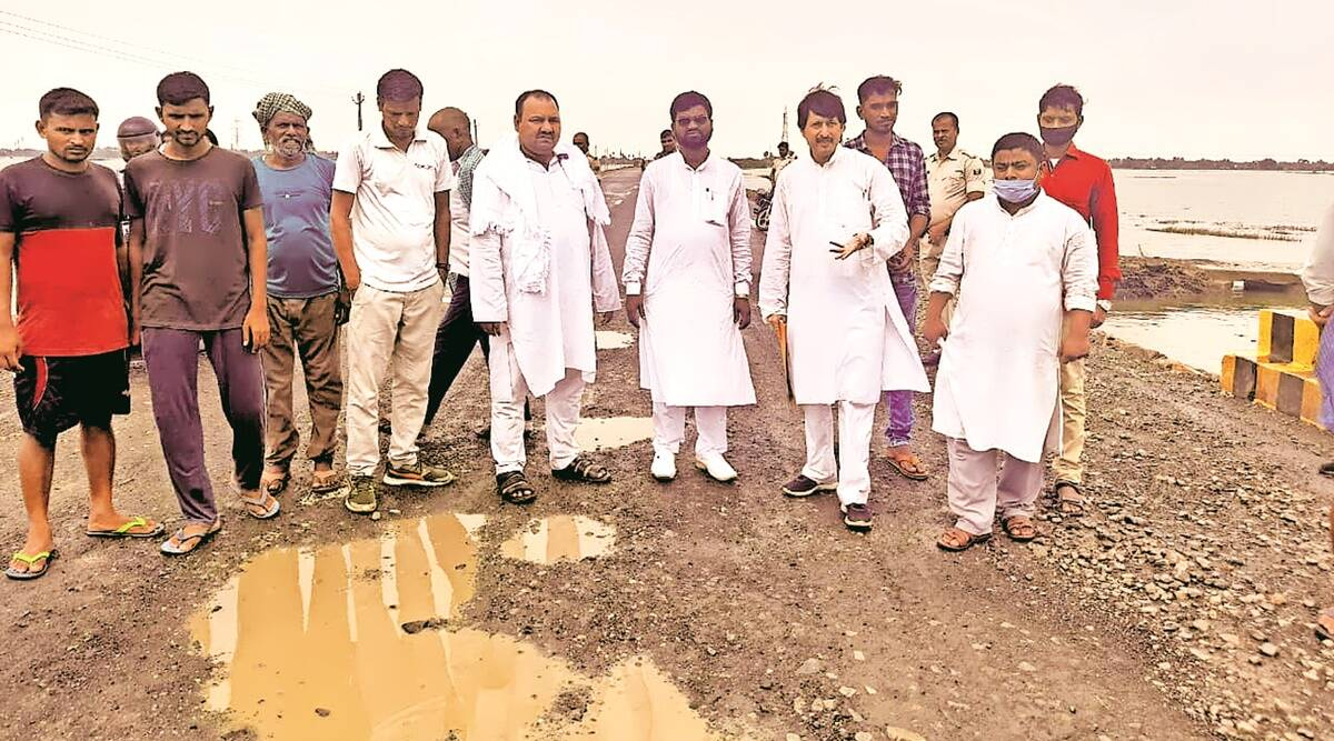 Day Nitish inaugurates Rs 220-cr highway, House panel finds cracks, pothole with fish on 5-km stretch