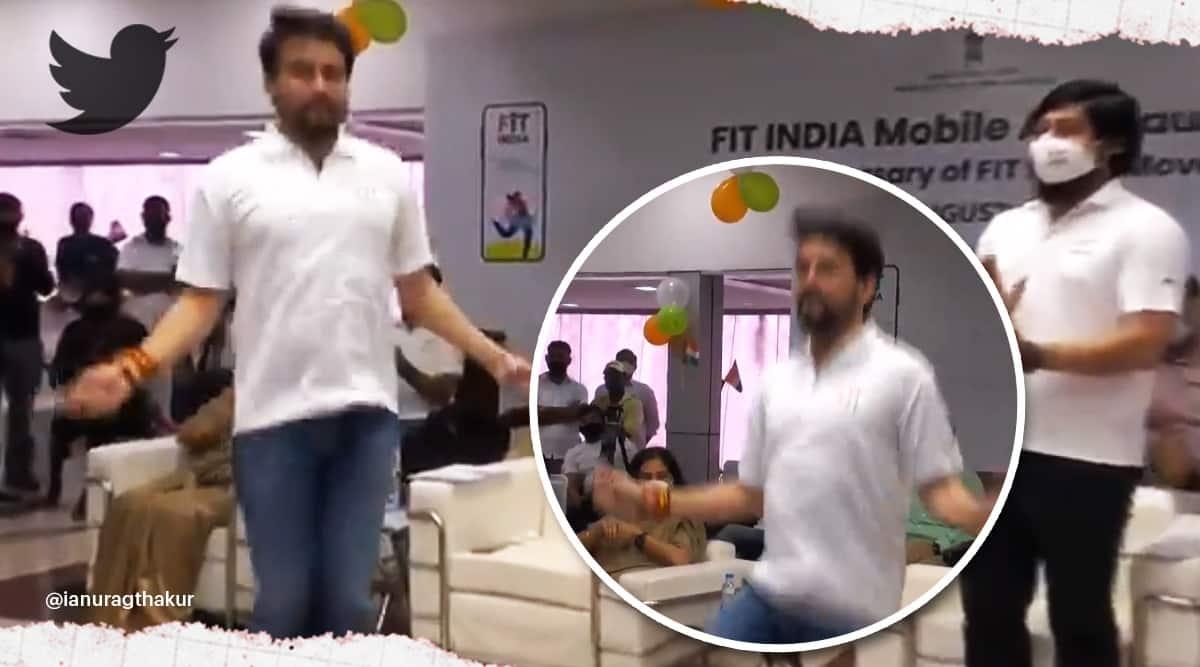 Anurag Thakur National Sports Day Fit India mobile app, Anurag Thakur skipping viral video, Anurag Thakur trending, indian express, indian express news