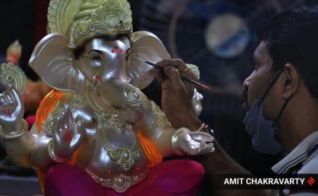 Ganesh Chaturthi pictures, Ganesh Chaturthi shopping, Ganesh Chaturthi shopping, Ganesh Chaturthi festival, Ganesha, Ganesh idols, Ganesh idol painting