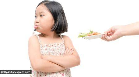 fussy eater, fussy eating kids, kids who are fussy eaters, how to deal with fussy eating children, children and food habits, parenting, indian express news