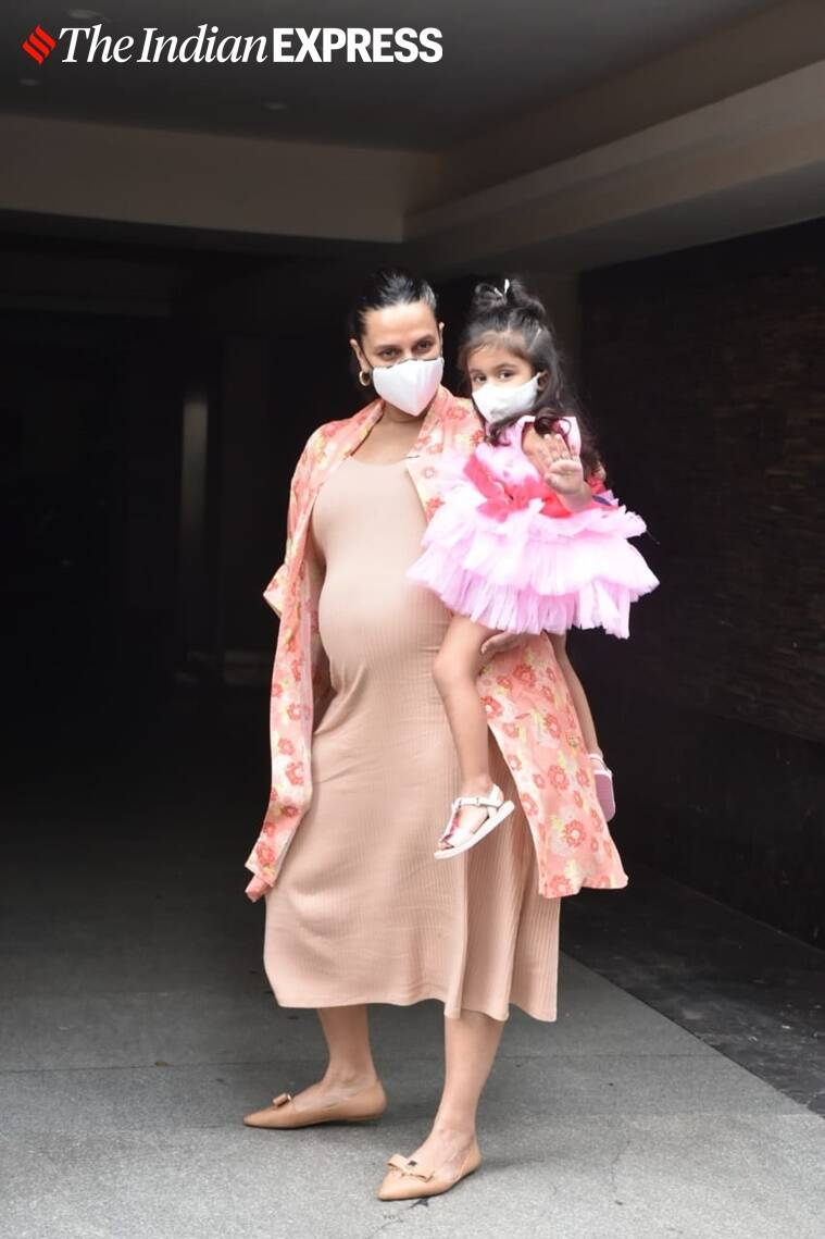 neha dhupia with daughter mehr