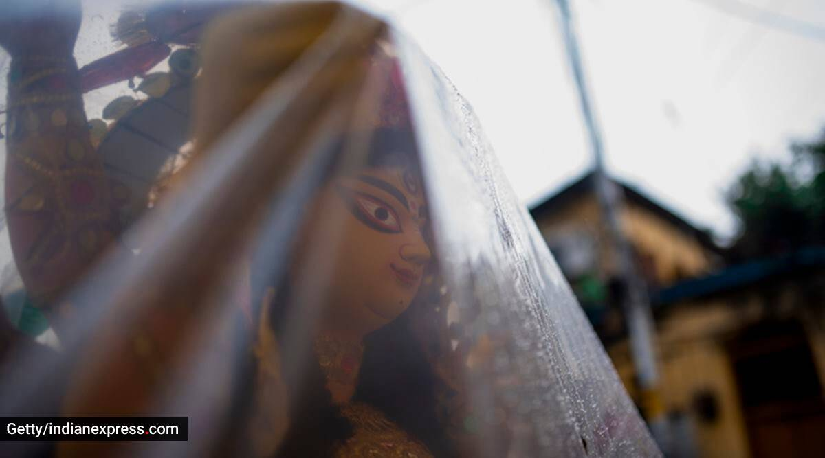 Durga Puja, Durga Puja 2021, Durga Puja in the pandemic, pandemic Durga Puja, Durga Puja then and now, Durga Puja nostalgia, Durga Puja pre-pandemic, Durga Puja events, Durga Puja activities, Durga Puja cultural events, indian express news