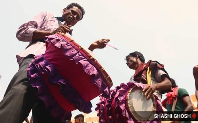 durga puja, durga puja dhaki, durga puja celebrations