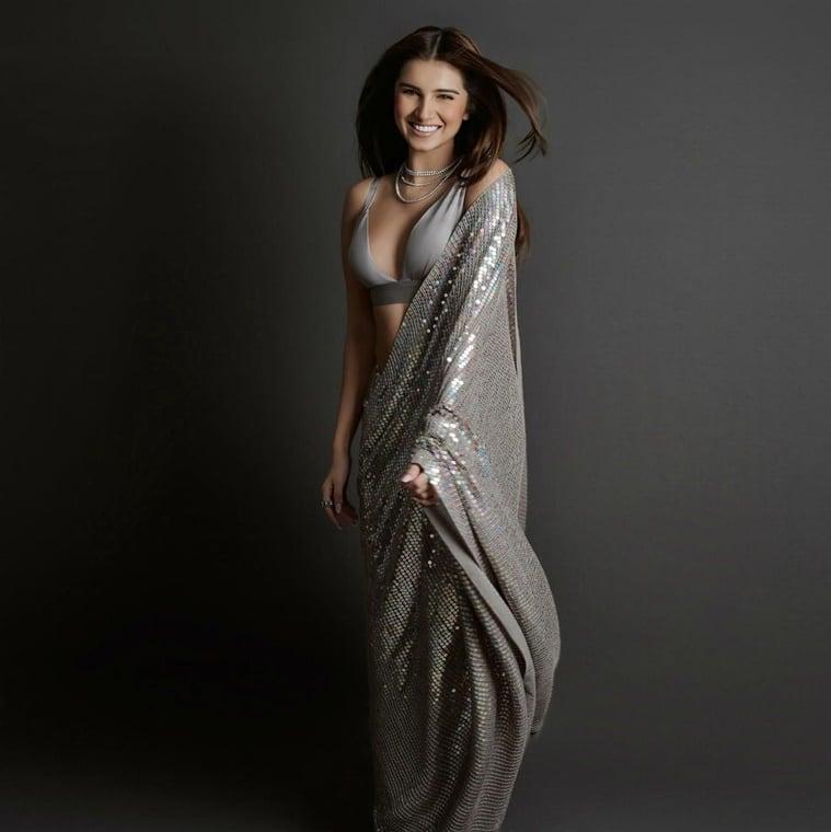 Navratri, Navratri fashion, Grey saree
