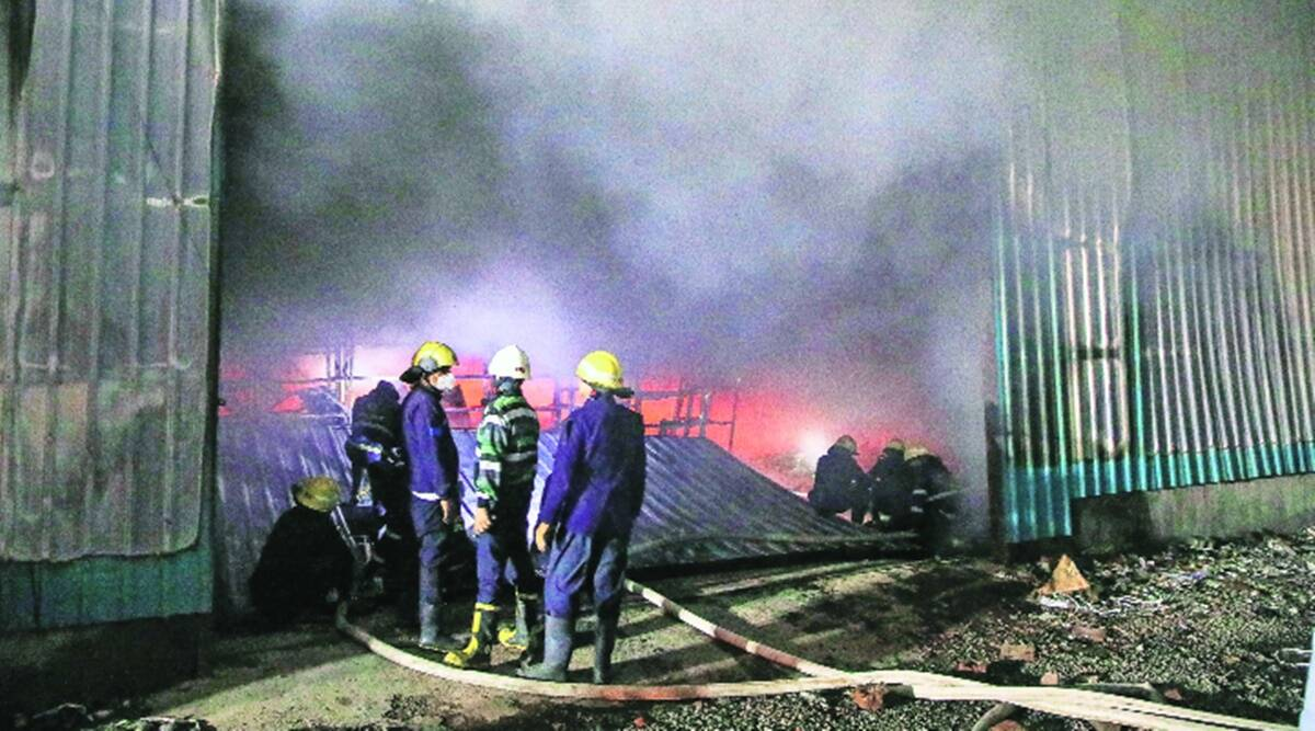 indianexpress.com - Express News Service - Pune: Major fire breaks out at furniture storage facility, no casualties