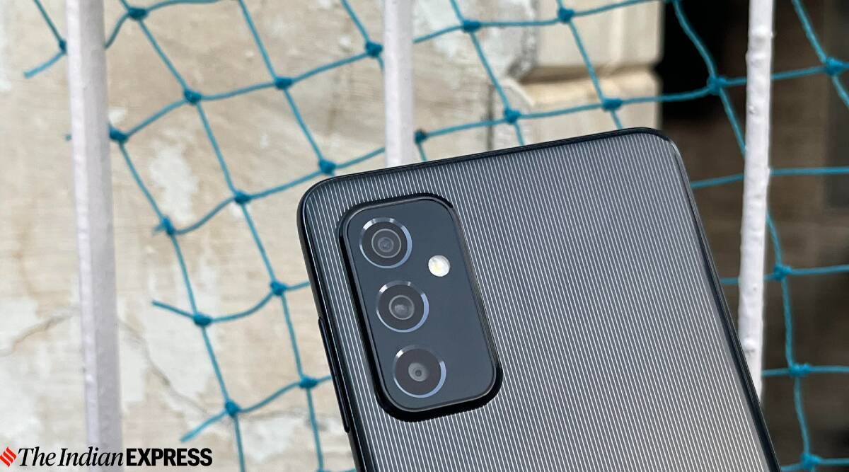 Samsung Galaxy M52 5G, Samsung Galaxy M52 review, Samsung Galaxy M52 price in India, Samsung Galaxy M52 specs, Samsung Galaxy M52 features, Samsung Galaxy M52 5G amazon
